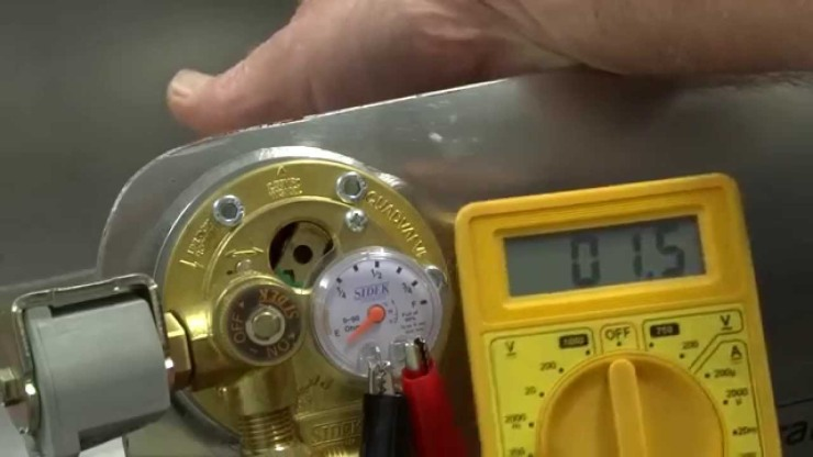 testing the resistance of a LPG tank sender unit